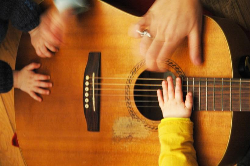 menottes et guitare 2
